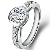Vintage engagement ring with sidestones in 18K White Gold with a 0.75 Carat Diamond