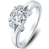 Vintage diamond engagement ring in 14K White Gold with a 0.4 Carat Diamond