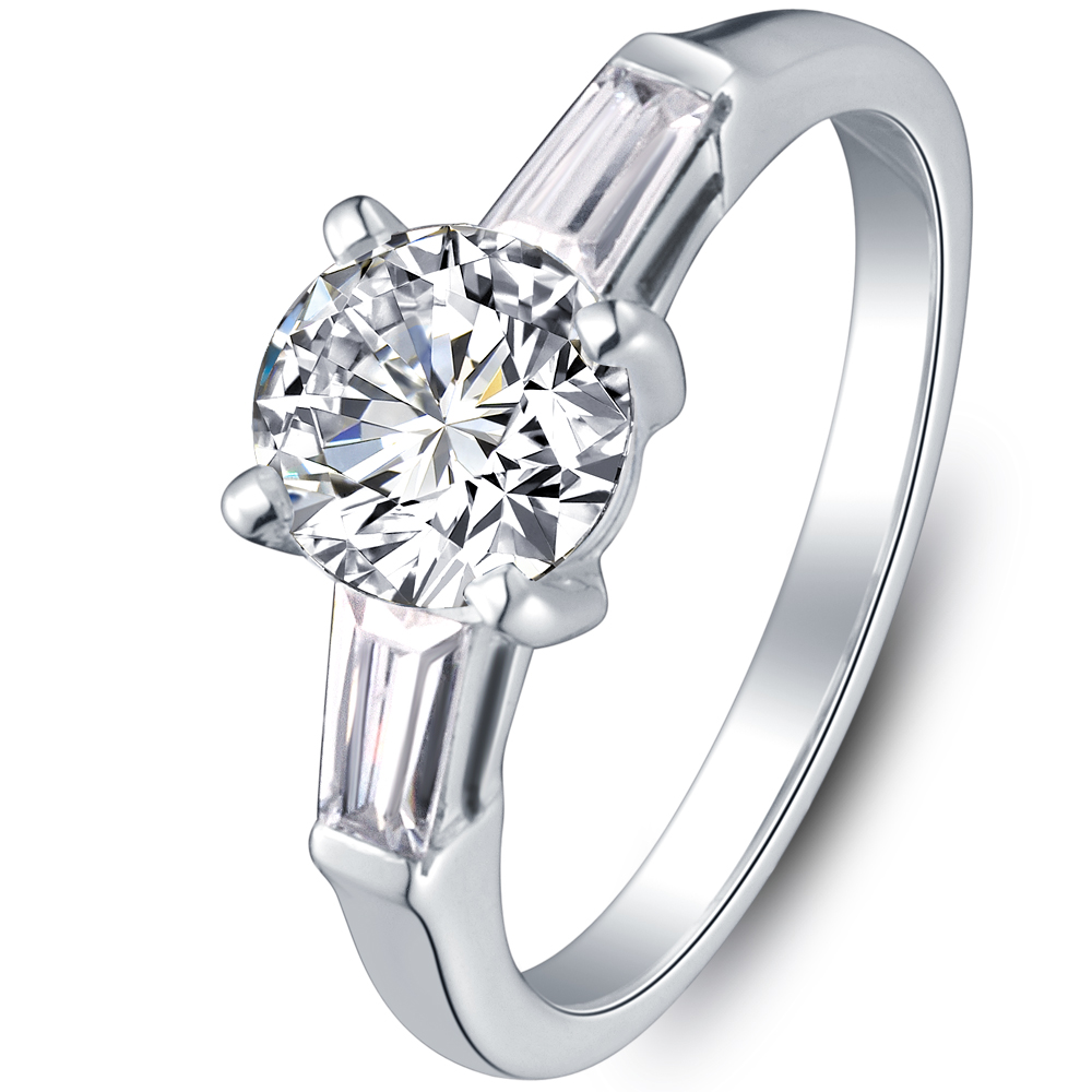 Diamond engagement ring with sidestones in 14K White Gold with a 0.4 Carat Diamond