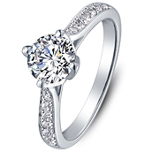 Vintage diamond engagement ring in 14K White Gold with a 0.5 Carat Diamond