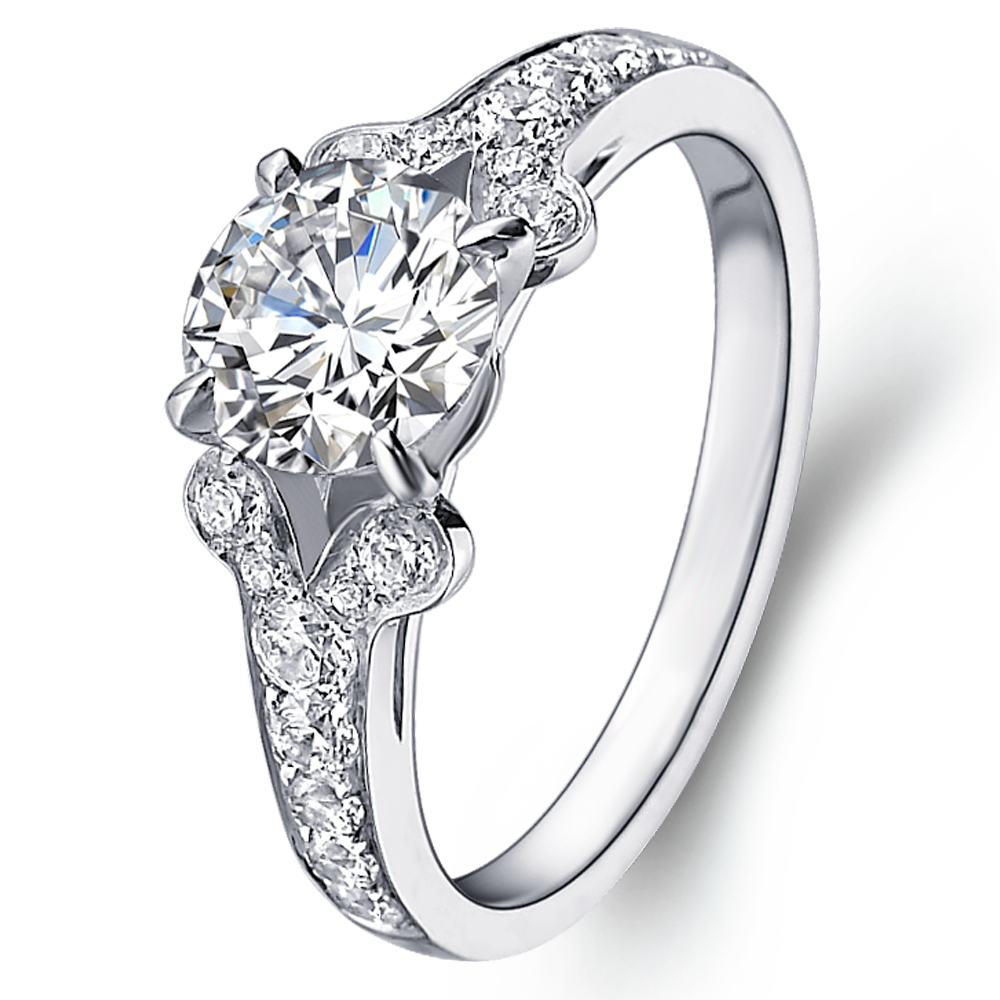 Vintage diamond engagement ring in 14K White Gold with a 0.3 Carat Diamond